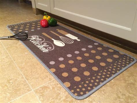 tapis cuisine tapis de cuisine finesse 50x120cm kitchen beige brun