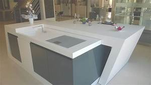 ilot de cuisine modeles de cuisines avec ilot central With salle de bain design avec evier de cuisine en resine