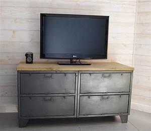 Meuble Tele Industriel : meuble tv industriel militaire avec 4 casiers clapets ~ Teatrodelosmanantiales.com Idées de Décoration