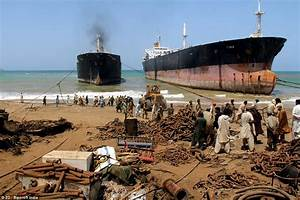 World's biggest ship graveyard - where huge tankers and ...