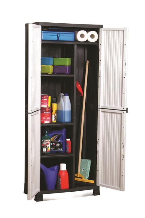 armoire en plastique pour exterieur meuble plastique exterieur pas cher table de lit