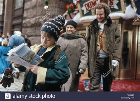 Home Alone 2 Culkin Stock Photos & Home Alone 2 Culkin Stock Images Alamy