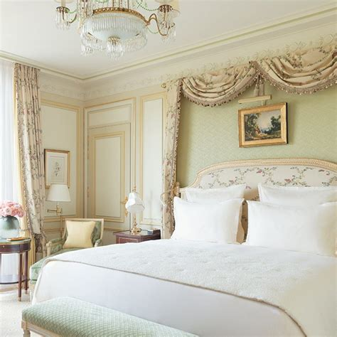 chambre ritz rooms and luxury suites hotel ritz 5