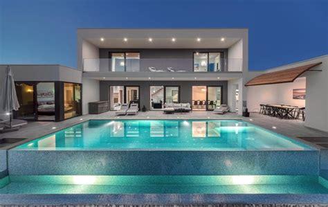 Luxusvilla Mit Pool by Sommer In Kroatien 8 Tage Istrien In Privater Luxusvilla