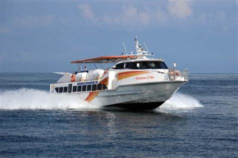 Boat Marina R by Marina Srikandi Fast Boat Green Rinjani Lombok