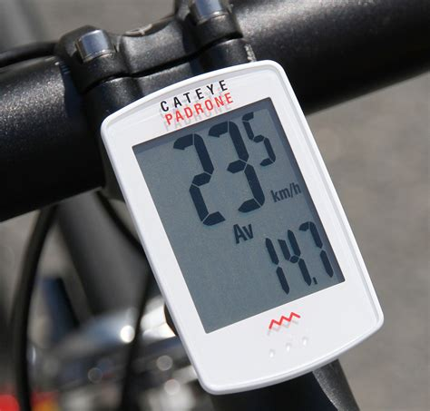 cateye padrone cc pa  cycle computer review momentum mag