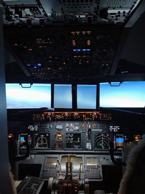 dad builds working boeing  cockpit   sons bedroom