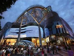 ion orchard shopping in orchard singapore