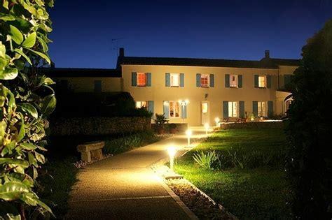 location chambre d hotes chambre d 39 hôtes à trizay 9 personnes location chambre d