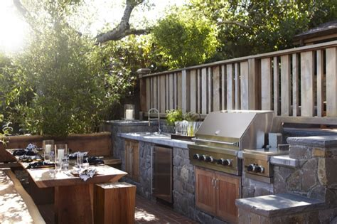 Outdoor Kitchen   Transitional   deck/patio   Urrutia Design