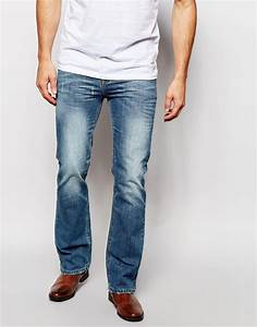 How to Wear Bootcut Jeans | How Long Should They Be? | The Jeans Blog