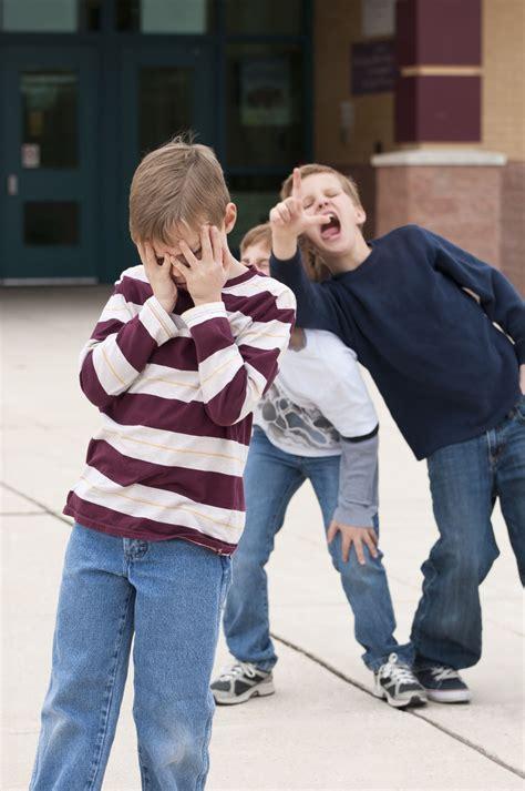 delve deep  negative  positive effects  peer pressure