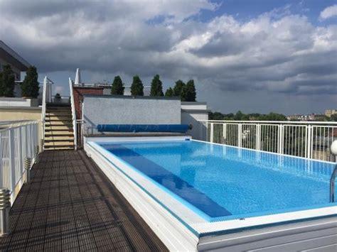 Pool Auf Dachterrasse by Pool Dachterrasse Bild Hotel Kubrat An Der Spree