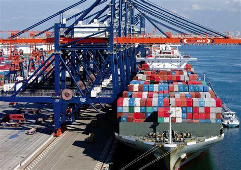 rotterdam le m 233 ga port europ 233 en mer et marine