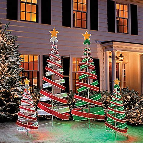 best place for christmas yard decorations 25 top outdoor decorations on easyday