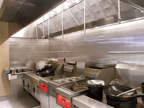 clean  restaurant kitchen exhaust
