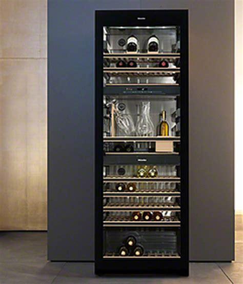 armoire a vin table de cuisine