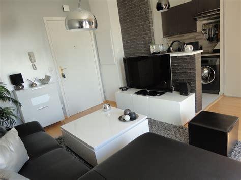 cuisine et salon moderne cuisine indogate papier peint salon noir et blanc