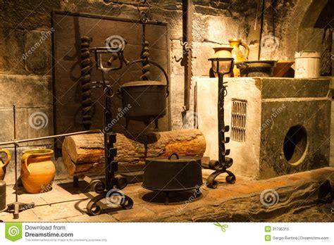 vieille cuisine vieille cuisine de château photo libre de droits image