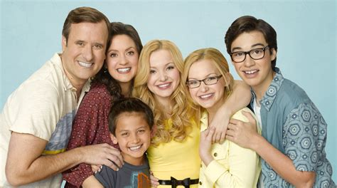 Meet The Cast Of Liv And Maddie At Chill  Oc Mom Blog