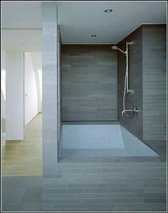 Dusche Badewanne Kombi : badewanne dusche kombination villeroy badewanne house ~ Michelbontemps.com Haus und Dekorationen