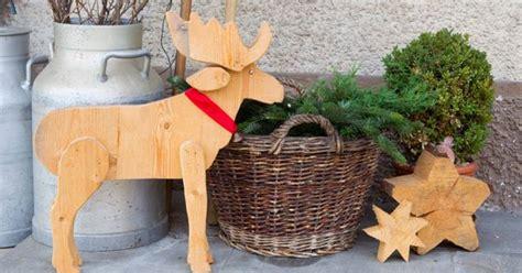 weihnachtsdeko aussen selber machen hirsch holz holzfiguren weihnachtsdeko holz holz und weihnachtsdekoration