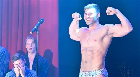 Bachelorette Guys Strip Down In Photos From First Group Date Hannah Brown Luke Parker