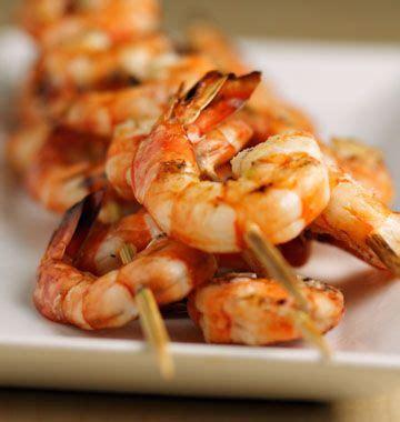 cuisine au barbecue brochettes de crevettes au barbecue recipe barbecue