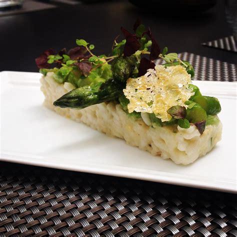 cyril lignac cuisine attitude risotto traditionnel aux pointes d asperges vertes le