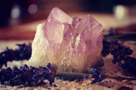 find     healing crystals