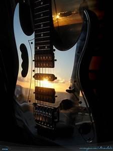 20 Custom Ibanez Guitars - Global Guitar Network