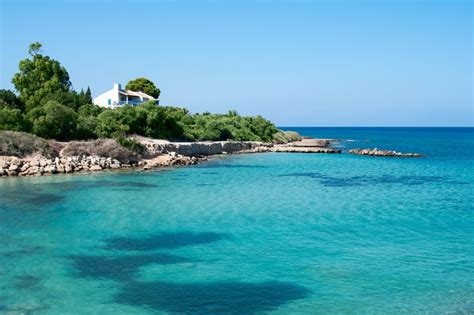 Cheap flights to Larnaca - Lowest price at flightmate.ie