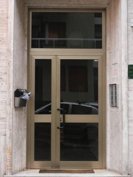 portoni ingresso condominio porte e portoni in alluminio officine bacigalupi srl