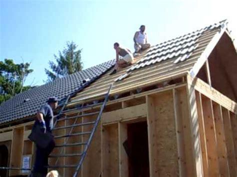 comment on monte sur un toit avant la pose des tuiles