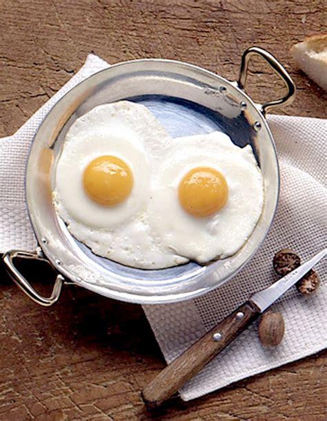 recettes de cuisine sur 3 œufs sur le plat recettes à table