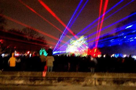 the cool lazer light show picture of brookfield zoo