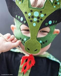 Homemade Halloween Costume - No sew dragon mask