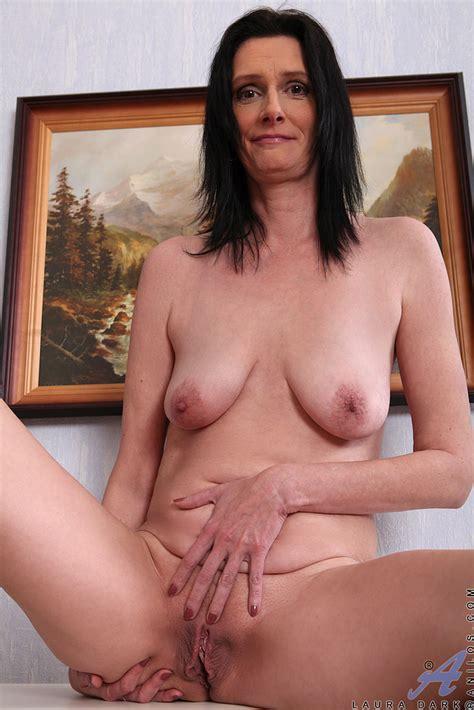 Mature And Horny Laura Dark Caress Her Pussylips MILF Fox