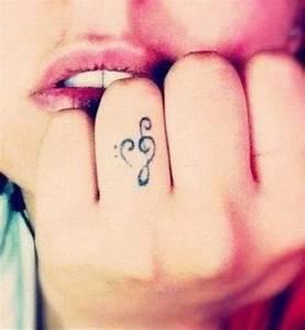 Finger Tattoo Herz : die besten 17 ideen zu herz fingertattoos auf pinterest fingert towierungen finger tattoos ~ Frokenaadalensverden.com Haus und Dekorationen