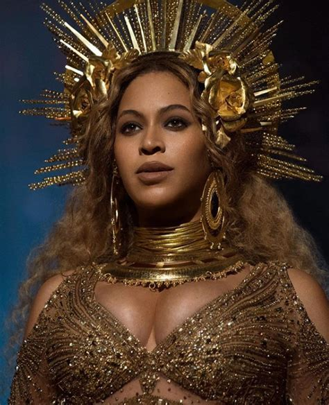 Pin by Courtney Smith on beauty   Beyonce queen, Grammys ...