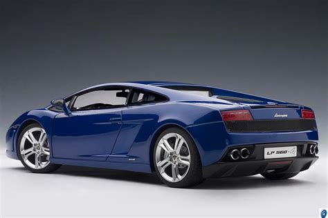 Blue Lamborghini Gallardo Lp560