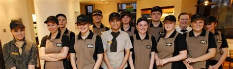 siege mcdo mcdonald s 22 chiffres records sur le 1er fast food du