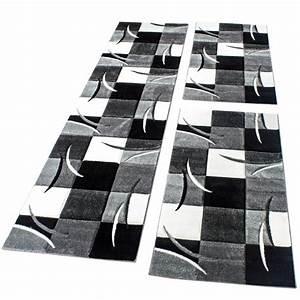 tapis descente de lit avec motifs a carreaux noir gris With tapis de couloir avec canapé lit but