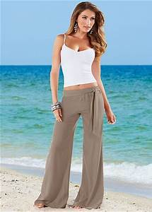 25 Coolest Beach Wear Outfits For Women
