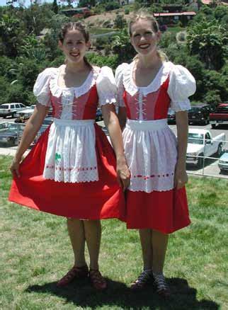 pakaian adat internasional   negara ayie sylyny