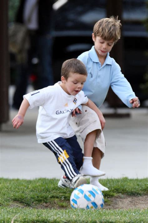 bob stroller romeo and beckham growing your baby