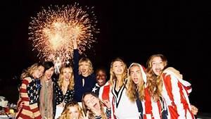 Taylor Swift Hosts an Epic 4th of July Beach Party with ...