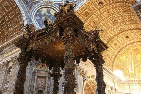 Baldacchino Di San Pietro Bernini by Il Baldacchino Di San Pietro Sotto La Cupola Foto Di
