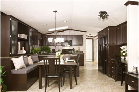 Wow! This kitchen is in a single wide mobile home!!! #home