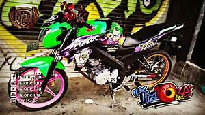 Cutting Sticker Yamaha New Vixion Lightning Joker